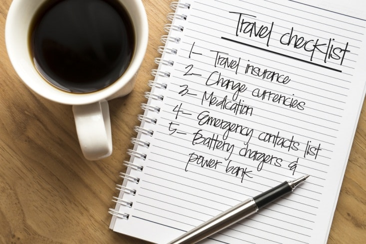 travel checklist-min