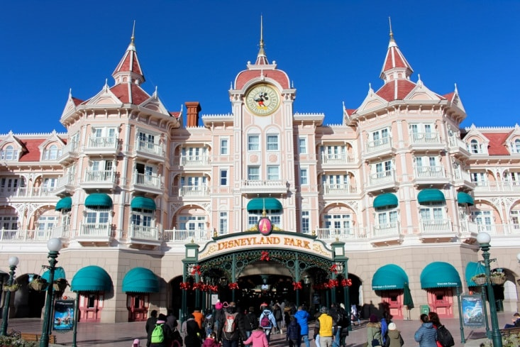 disneyland paris-min