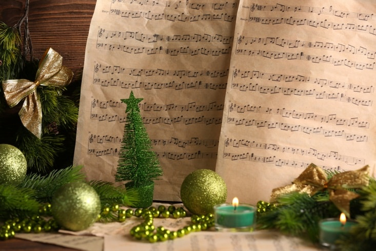 Christmas music notes